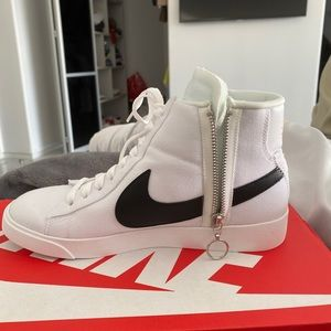 Nike blazers mid rebel summit white